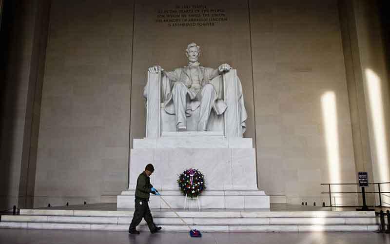 Lincoln-